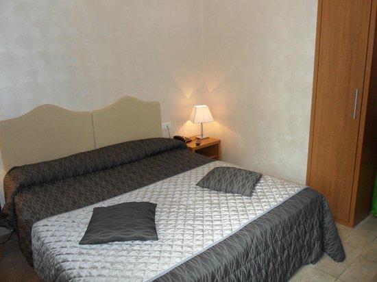 Collina Suites: habitacion