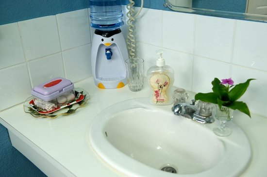 KenMar's Bed and Breakfast: Water dispenser and basic toiletries - some of many thoughtful extras