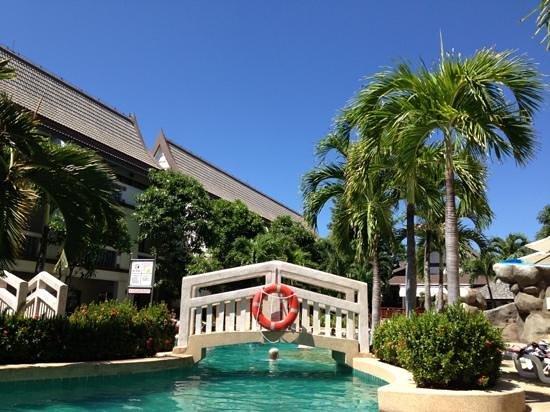 Centara Kata Resort Phuket: största poolen