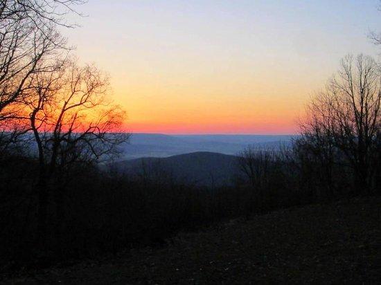 State Park Cabins-Monte Sano: sunrise outside cabin 9
