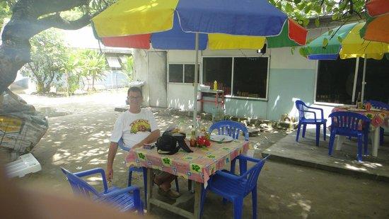 Taotin Restaurant: relax & remember island time !!!!!