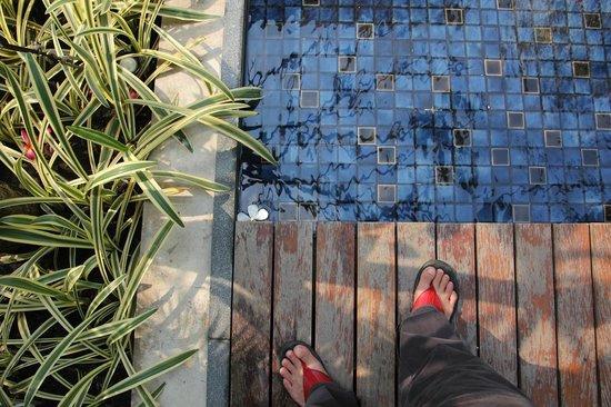 Hansar Bangkok: side pools