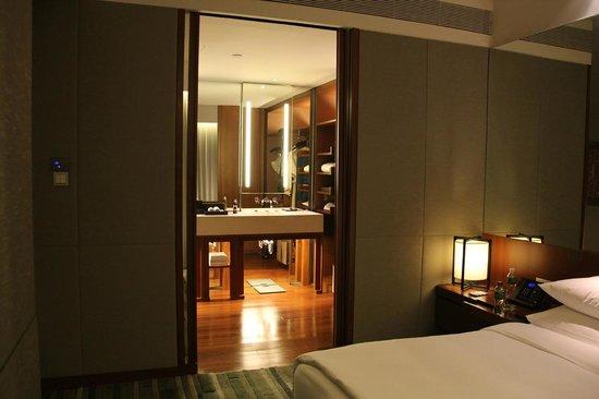 Hansar Bangkok Hotel: large