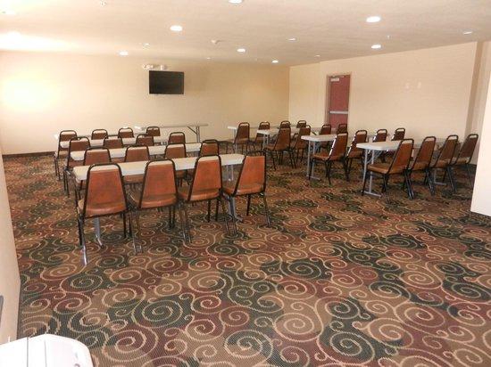 Cobblestone Hotel Suites Seward Ne Meeting Room
