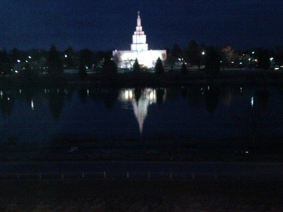 Hilton Garden Inn Idaho Falls: View of church from room at night