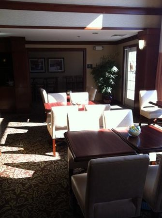 Homewood Suites by Hilton Stratford: breakfast area