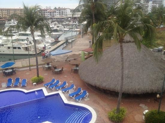 Flamingo Vallarta Hotel & Marina: view from our room was nice!