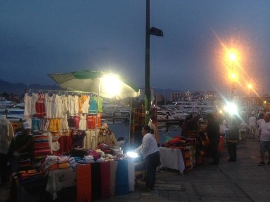 Flamingo Vallarta Hotel & Marina: market each Thursday night around the marina