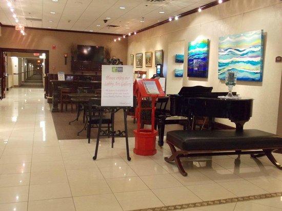 Holiday Inn Express Stony Brook : The lobby has a really cool art gallery.