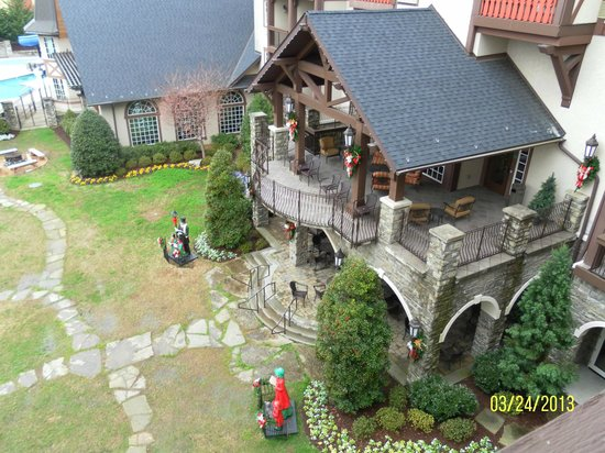 ذي إن آت كريسماس بليس: View from Turret Balcony