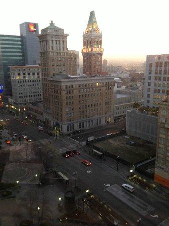 Oakland Marriott City Center: View from room opposite of bay side