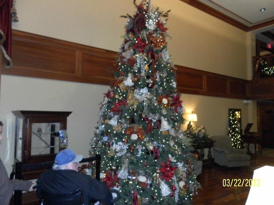 The Inn at Christmas Place: Christmas Tree in Lobby