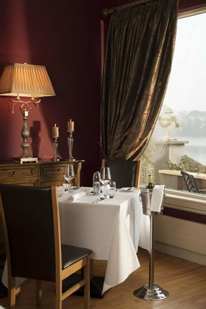 St Kyrans Country House & Restaurant: Set for two