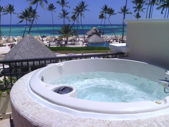 jacuzzi on balcony picture of now larimar punta cana bavaro tripadvisor. Black Bedroom Furniture Sets. Home Design Ideas