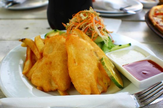 Captain's Cafe: Yummmm Fish and chips