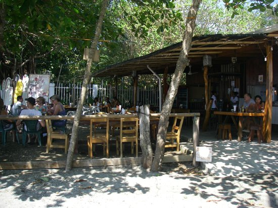 Sheriff Rustic: casual outdoor eatery for breakfast and lunch