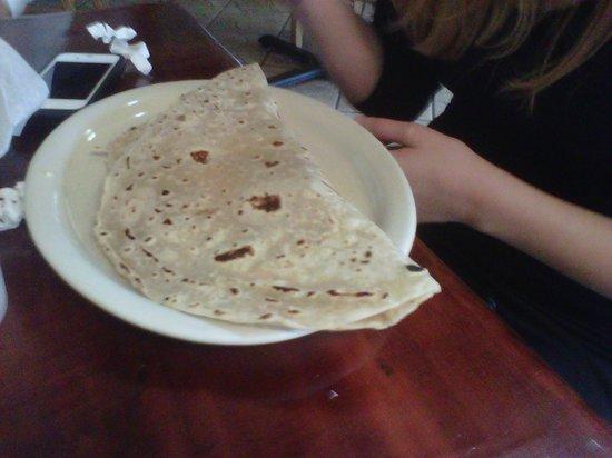 Emilia's Restaurant: Delicious flour tortillas