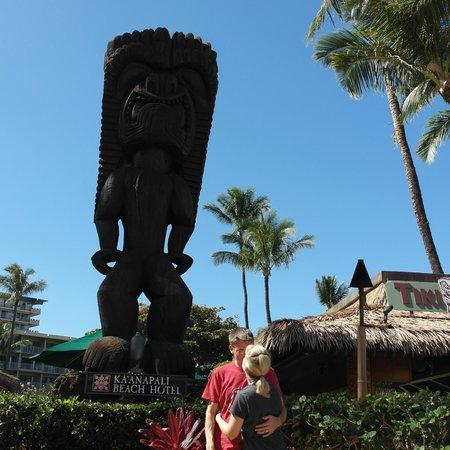Kaanapali Beach Hotel: Tiki Man