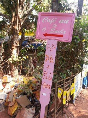 Cafe Nu : road entrance