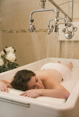 Lake Opechee Inn and Spa: Spa - Vichy Shower