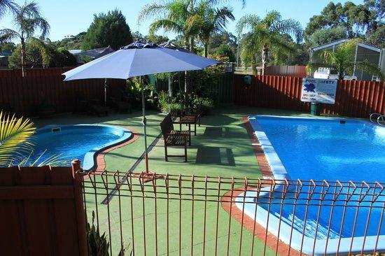 Mandurah Caravan and Tourist Park: Pools