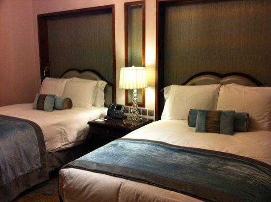 Raffles Makkah Palace: bedroom in twobedroom  suite
