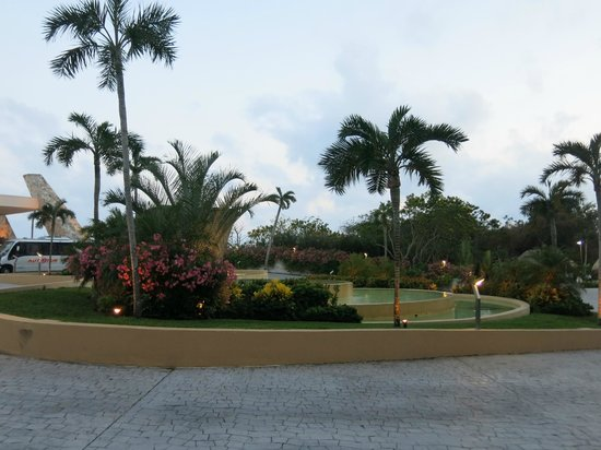 Grand Sirenis Riviera Maya Resort & Spa: Thank you Gardeners!