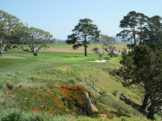 Hotel Abrego: Pebble Beach is a short drive away