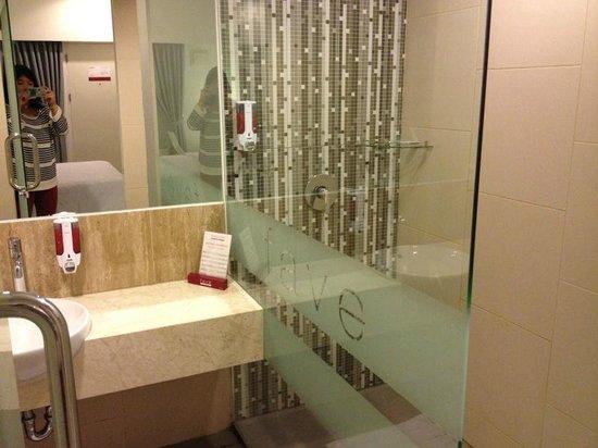 favehotel Pluit Junction: bathroom