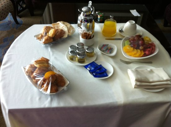 Raffles Makkah Palace: my husband went for breakfast but i didn't because if the kids he asked to bring up a few things