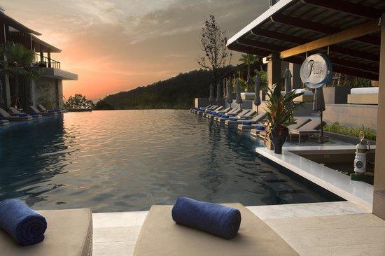 Avista Hideaway Phuket Patong, MGallery by Sofitel: Riverside Pool