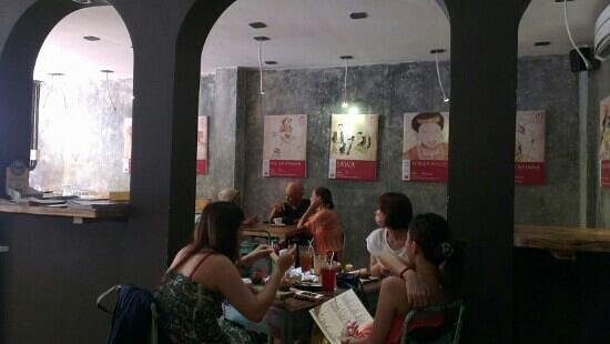 Anomali Coffee Ubud: ground floor