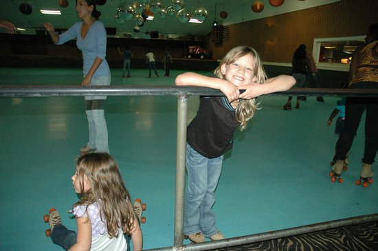 Jungle Jym's Family Fun Center: Roller rink