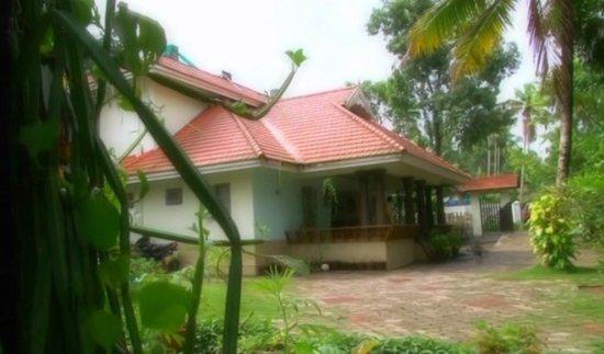 Pattarumadom Ayurveda: Front View of The Resort