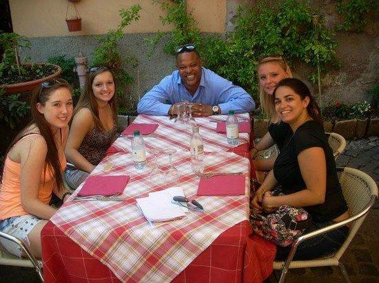 Eddie's Fun Roma: at lunch!