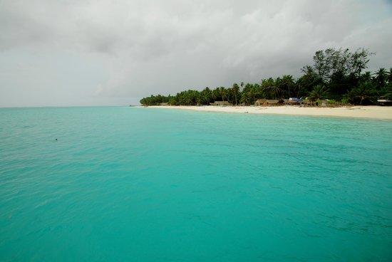 Lakshadweep Homestay Kasim K: Beach view from boat