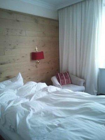 Eden Hotel Wolff: 布団はふかふかでよく眠れました。インテリアもお洒落