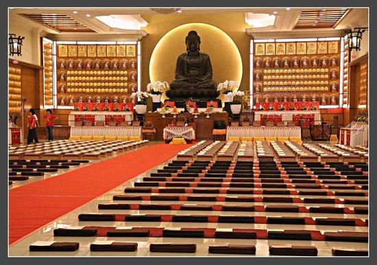 Jenjarom, Malásia: Gorgeos Buddha ^.^