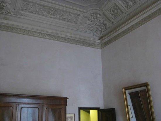 بالاتسو جودانيي: Ceiling