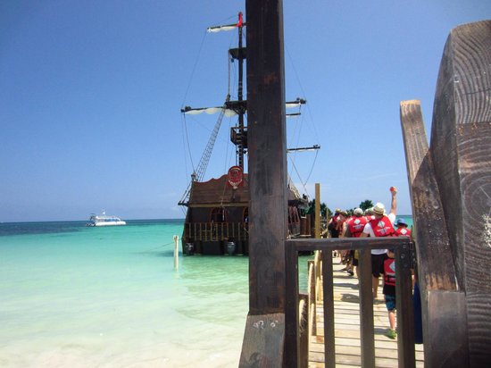 ClubHotel Riu Bambu: the pirate ship excursion