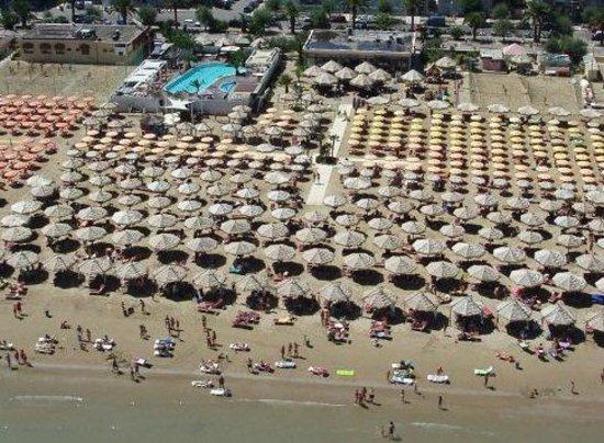 Acqua Favola: spiaggia la prora