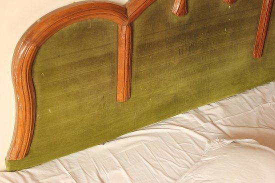 Hotel Sun N Snow Mussoorie: Bed
