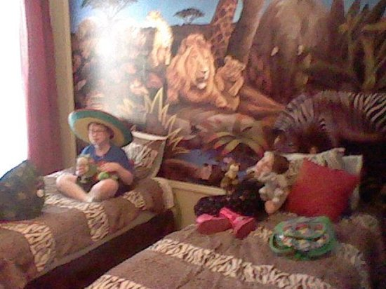 Legacy Dunes: Kids enjoying their jungle themed bedroom.