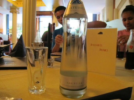 Akropolis: Love this bottled water