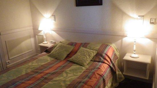 Hotel du Parc: lit 2 personnes