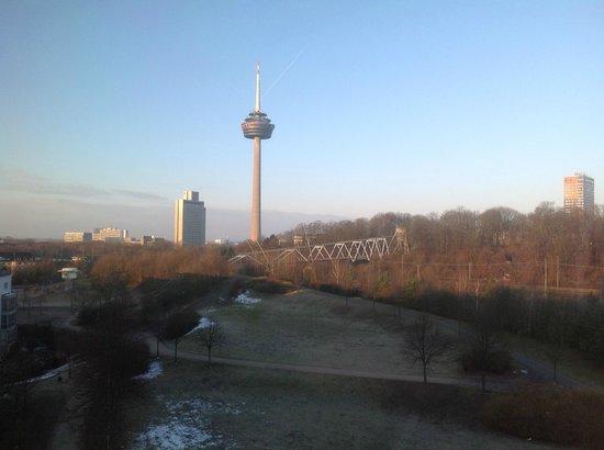 NH Collection Köln Mediapark: вид из номер 710