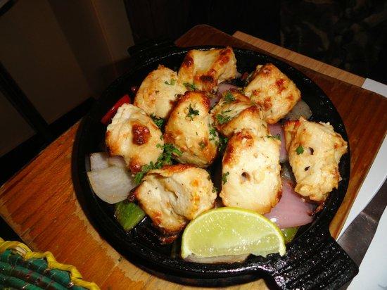 Indian Kitchen : Chicken cubes marinated in cashew paste & herbs....mmmm...