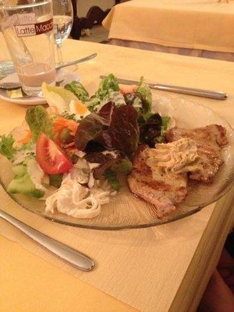 Ristorante al Portico: veal scaloppini fitness plate
