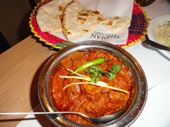 "Indian Kitchen : ""Beef Vindallo"""