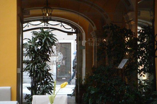 Hotel Zum Dom: Blick aus dem Frühstücksraum